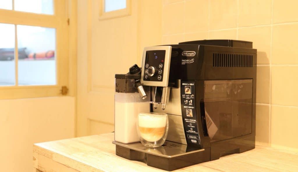 デロンギ全自動コーヒーメーカー